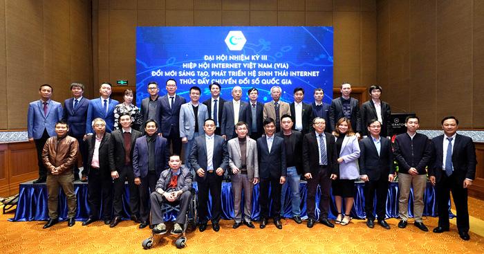 Ban chấp hành Hiệp Hội Internet Việt Nam Nhiệm Kì III